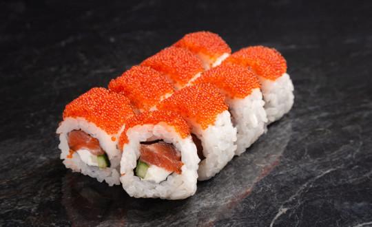 Заказать Премиум Ролл Калифорния с лососем с доставкой на дом в Новосибирске, Империя суши